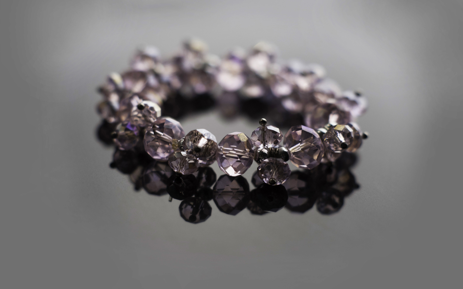 Nadine Platt Commercial Product Photography, Photograph of a Bracelet